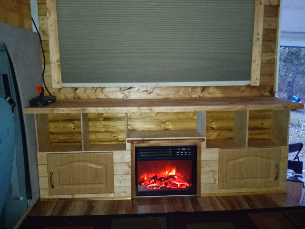 Fireplace RV - Home